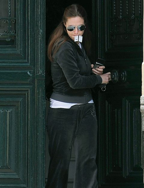 Eyewear, Sleeve, Standing, Goggles, Sunglasses, Fashion, Street fashion, Cool, Waist, Door,
