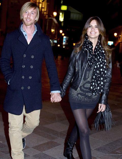 Clothing, Leg, Sleeve, Collar, Coat, Textile, Outerwear, Style, Street fashion, Blazer,