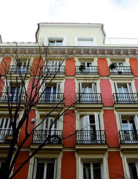 Facade, Architecture, Neighbourhood, Red, Apartment, Real estate, Building, Wall, Residential area, Colorfulness,
