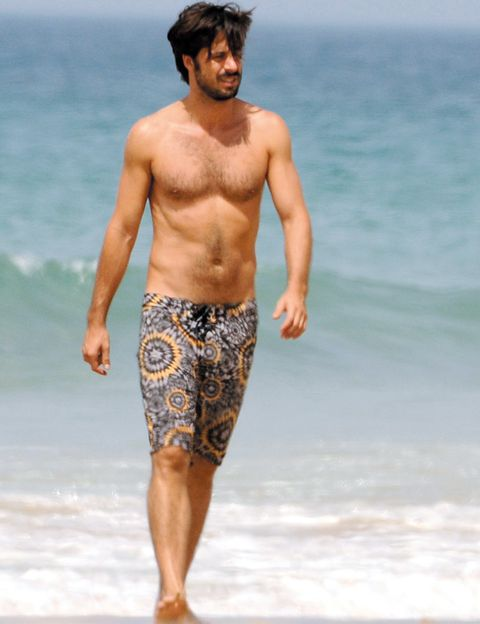 board short, Human leg, Standing, People on beach, People in nature, Summer, Barechested, Shorts, Chest, Trunks,