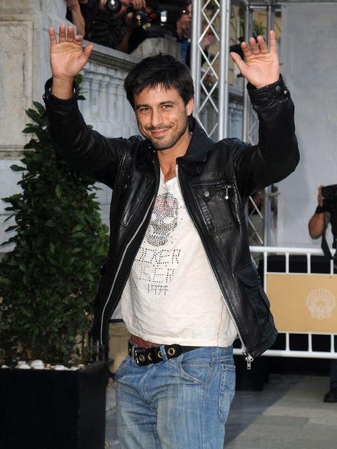 Arm, Denim, Trousers, Jeans, Jacket, Textile, Shirt, Outerwear, Cool, Pocket,