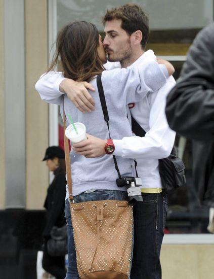 Interaction, Denim, Bag, Street fashion, Love, Romance, Belt, Pocket, Gesture, Shoulder bag,