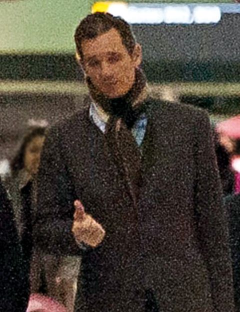 Collar, Dress shirt, Coat, Formal wear, Blazer, Button, White-collar worker, Pleased, Cuff, Top,