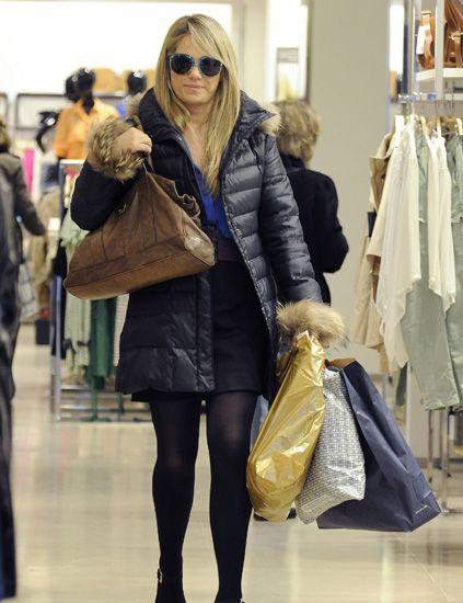 Clothing, Eyewear, Textile, Outerwear, Bag, Jacket, Style, Coat, Fashion accessory, Street fashion,