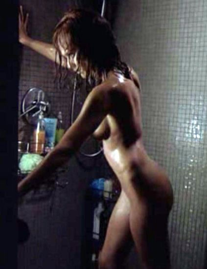 Hair, Finger, Shoulder, Fluid, Photograph, Joint, Back, Liquid, Muscle, Black hair,