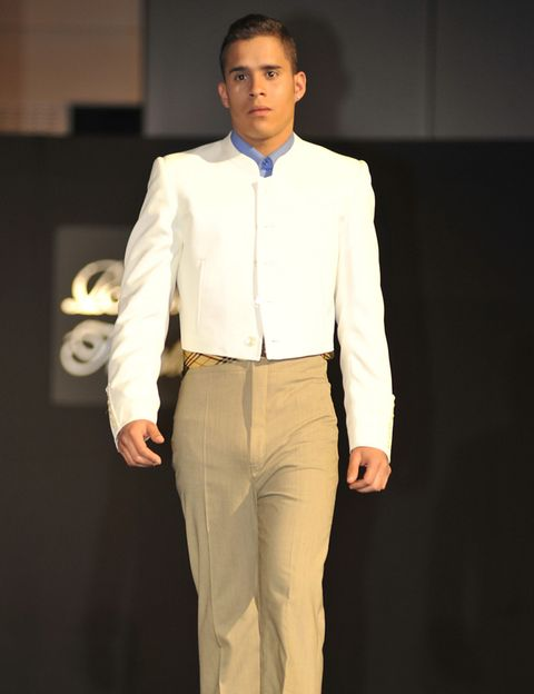 Dress shirt, Collar, Sleeve, Trousers, Suit trousers, Shirt, Standing, Formal wear, Style, Pocket,