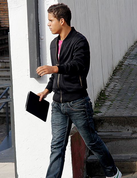Trousers, Denim, Jeans, Pocket, Standing, Outerwear, Collar, Bag, Street fashion, Maroon,