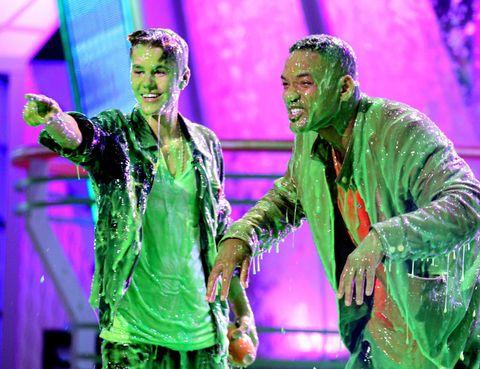 Green, Purple, Magenta, Celebrating, Laugh, Gesture, Humour, Comedy, Acting,