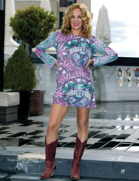 Clothing, Sleeve, Human leg, Flowerpot, Dress, Pink, Boot, Purple, Fashion, Magenta,