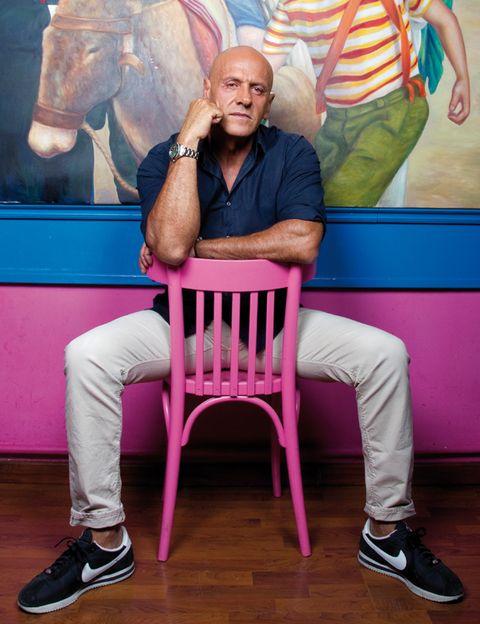 Sitting, Chair, Wood flooring, Wrinkle, Laminate flooring, Gesture,