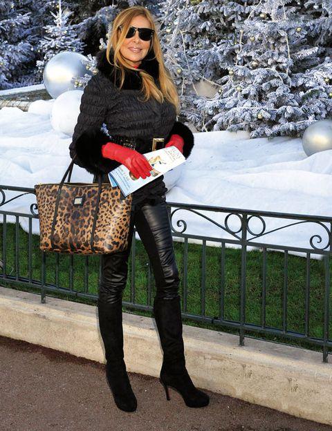 Clothing, Winter, Textile, Sunglasses, Outerwear, Bag, Style, Street fashion, Fashion accessory, Fashion,