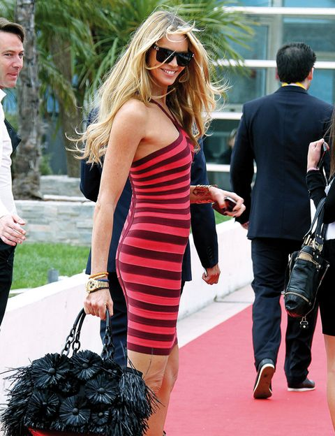 Clothing, Eyewear, Arm, Trousers, Outerwear, Dress, Sunglasses, Bag, Fashion accessory, Style,