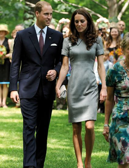 Clothing, Dress, Green, Coat, Outerwear, Formal wear, Suit, One-piece garment, Suit trousers, Day dress,