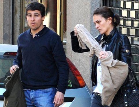 Denim, Bag, Street fashion, Black hair, Luggage and bags, Pocket, Service, Shoulder bag, Belt,
