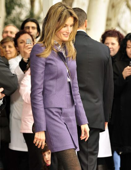 Sleeve, Collar, Outerwear, Coat, Formal wear, Suit trousers, Dress shirt, Blazer, Fashion, Pantsuit,
