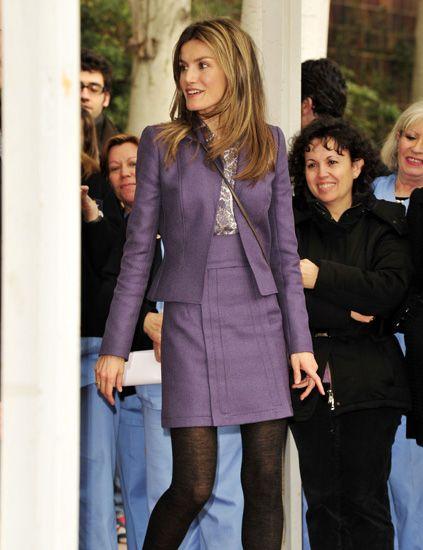 Trousers, Coat, Outerwear, Jeans, Style, Street fashion, Fashion, Bag, Denim, Thigh,