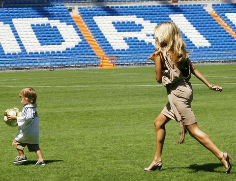 Grass, Sport venue, Team sport, Stadium, Sports, Playing sports, Ball game, Brown hair, Blond, Active shorts,