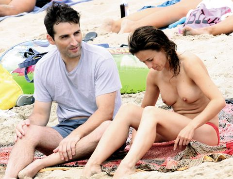 Fun, Sitting, Leisure, Summer, People in nature, Vacation, Sand, Thigh, Toe, Barefoot,