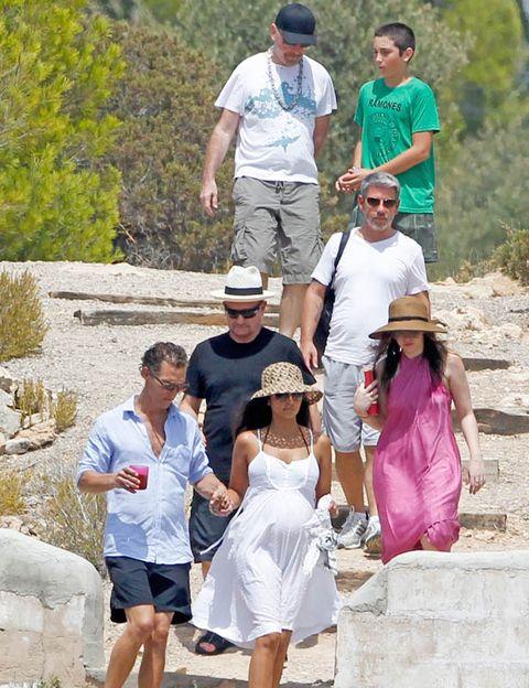 Eyewear, Hat, Sunglasses, Tourism, Dress, Summer, Baseball cap, Cap, Shorts, Goggles,