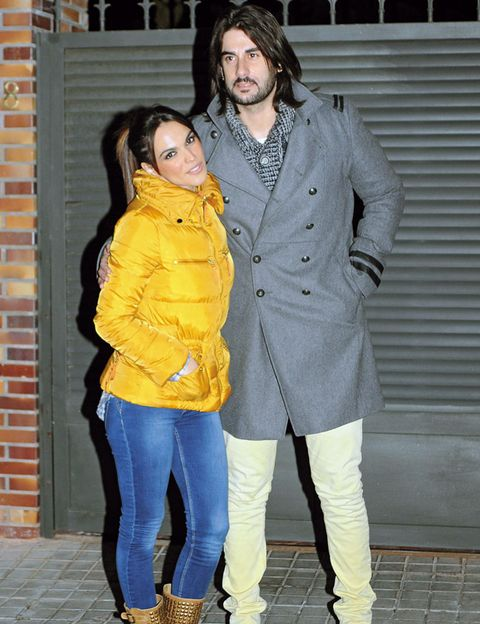 Clothing, Footwear, Yellow, Sleeve, Trousers, Textile, Outerwear, Style, Street fashion, Denim,