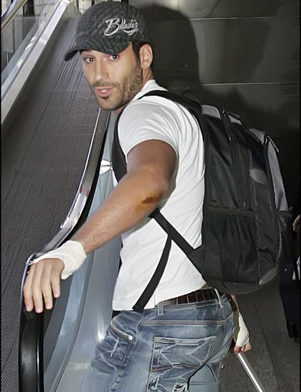 Cap, Shoulder, Denim, Jeans, Bag, Elbow, Pocket, Headgear, Luggage and bags, Cool,