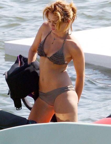 Clothing, Brassiere, Human leg, Swimwear, Undergarment, Summer, Bikini, Thigh, Swimsuit top, Beauty,
