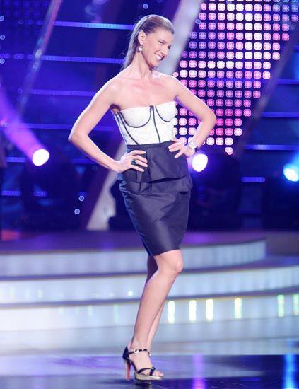 Human leg, High heels, Shoulder, Joint, Fashion show, Waist, Style, Sandal, Runway, Fashion model,