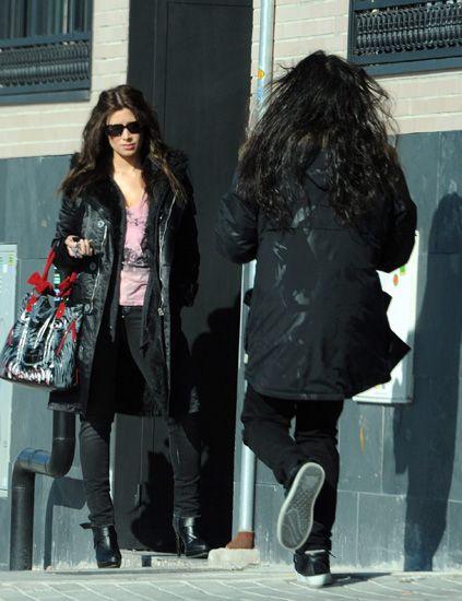 Clothing, Eyewear, Leg, Coat, Sunglasses, Jacket, Textile, Winter, Outerwear, Standing,