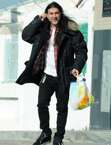 Clothing, Jacket, Trousers, Textile, Outerwear, Bag, Coat, Style, Street fashion, Denim,
