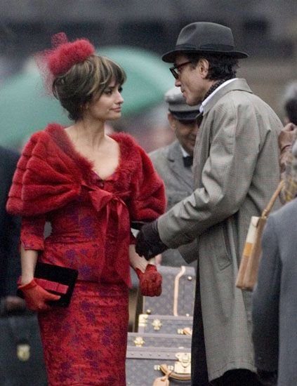 Hat, Human body, Style, Coat, Headgear, Vintage clothing, Red hair, Sun hat, Conversation, Fedora,