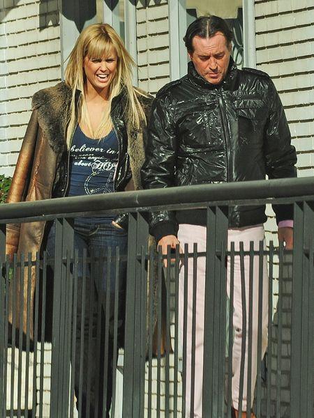 Jacket, Sleeve, Trousers, Street fashion, Iron, Denim, Leather jacket, Baluster, Leather, Fence,