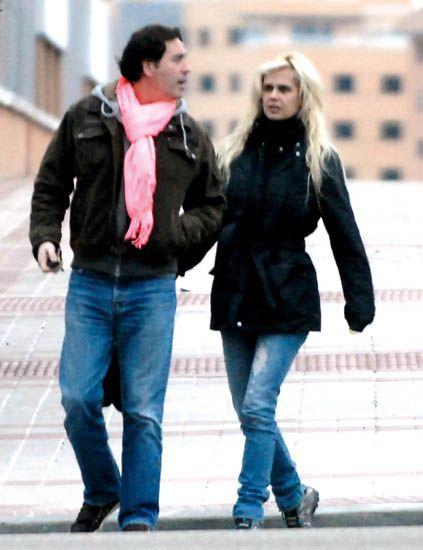 Clothing, Leg, Trousers, Denim, Jeans, Jacket, Winter, Textile, Photograph, Standing,