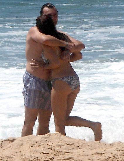 Leg, Fun, Human body, Human leg, Elbow, Sand, Barechested, Chest, Mammal, Summer,