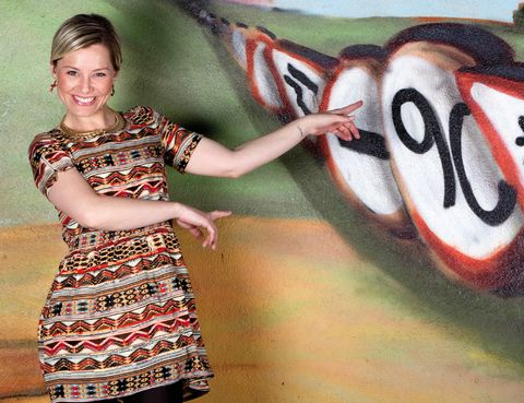 Happy, Facial expression, Graffiti, One-piece garment, Carmine, Cool, Day dress, Mural, Paint, Street art,