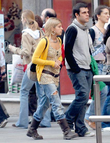 Hair, Footwear, Leg, Trousers, Jeans, Denim, Jacket, Shirt, Outerwear, Coat,