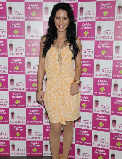 Dress, Pattern, Pink, Style, Magenta, Eyelash, Purple, One-piece garment, Fashion, Day dress,