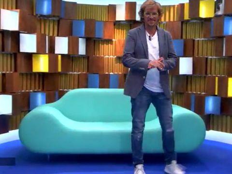 Majorelle blue, Furniture, Leisure, Fun, Room, Sitting, Ball, Swiss ball, Interior design, Games,
