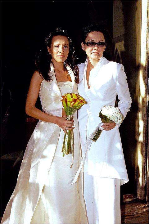 White, Formal wear, Bride, Marriage, Dress, Event, Wedding dress, Fashion, Ceremony, Wedding,