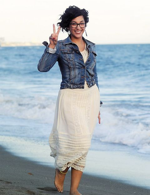 Clothing, Sleeve, Shoulder, Textile, Collar, Coastal and oceanic landforms, Style, Summer, Ocean, Beauty,