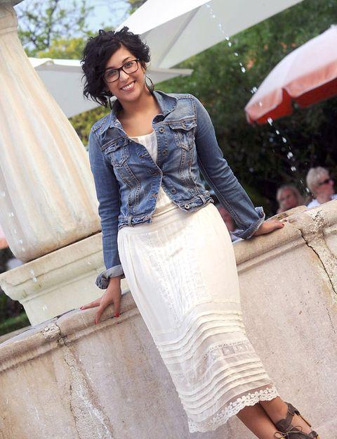 Clothing, Sleeve, Textile, Style, Fashion accessory, Waist, Street fashion, Beige, Fashion model, Sandal,
