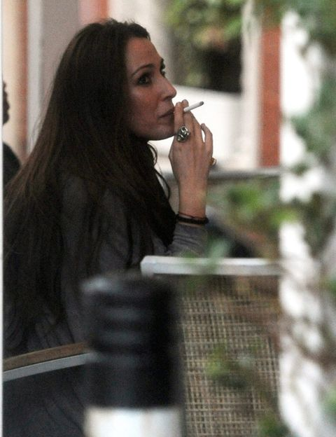 Hairstyle, Beauty, Jewellery, Smoking, Street fashion, Long hair, Black hair, Tobacco products, Cigarette, Step cutting,