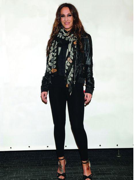 Sleeve, Textile, Outerwear, Jacket, Style, Street fashion, Fashion, Fashion model, Denim, Knee,
