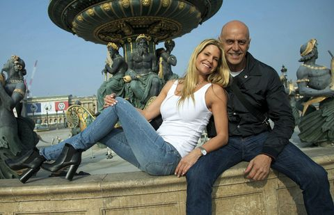 Leg, Denim, Jeans, Happy, Leisure, Tourism, Sitting, Laugh, Love, Sculpture,