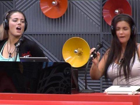 Elettra y Daniela se mandan mensajitos tiernos en la casa