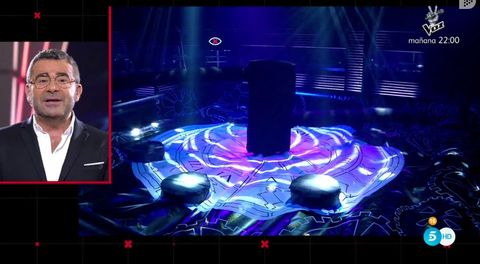 Lighting, Stage, Technology, Performance, Event, Space, Visual effect lighting, Graphic design, Screenshot, Display device,