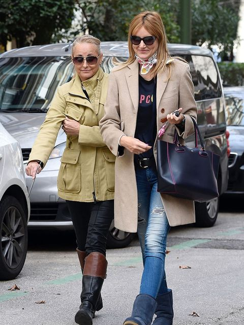 Street fashion, Clothing, Coat, Fashion, Trench coat, Footwear, Snapshot, Outerwear, Jeans, Overcoat,