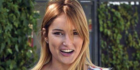 Hair, Blond, Hairstyle, Eyebrow, Beauty, Lip, Layered hair, Long hair, Chin, Brown hair,