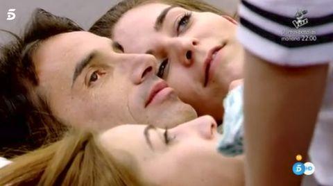 Cheek, Nose, Lip, Mouth, Interaction, Forehead, Kiss, Romance, Love, Gesture,