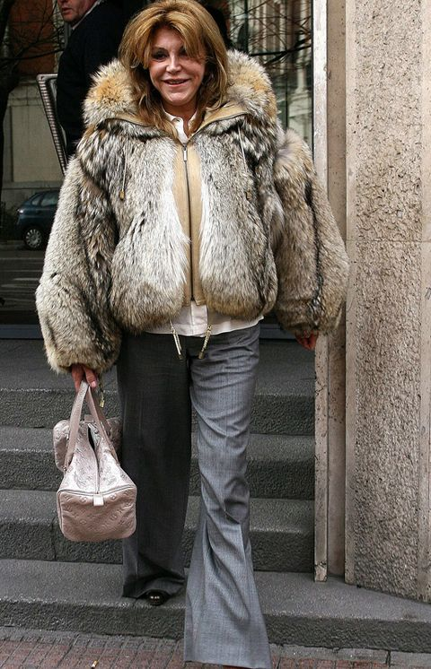 Clothing, Brown, Textile, Outerwear, Style, Winter, Jacket, Street fashion, Fur clothing, Natural material,