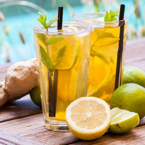 Yellow, Fluid, Drink, Liquid, Citrus, Lemon, Ingredient, Fruit, Meyer lemon, Alcoholic beverage,